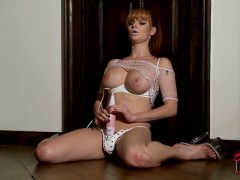 Tarra White is fond of playing with her white vibrator